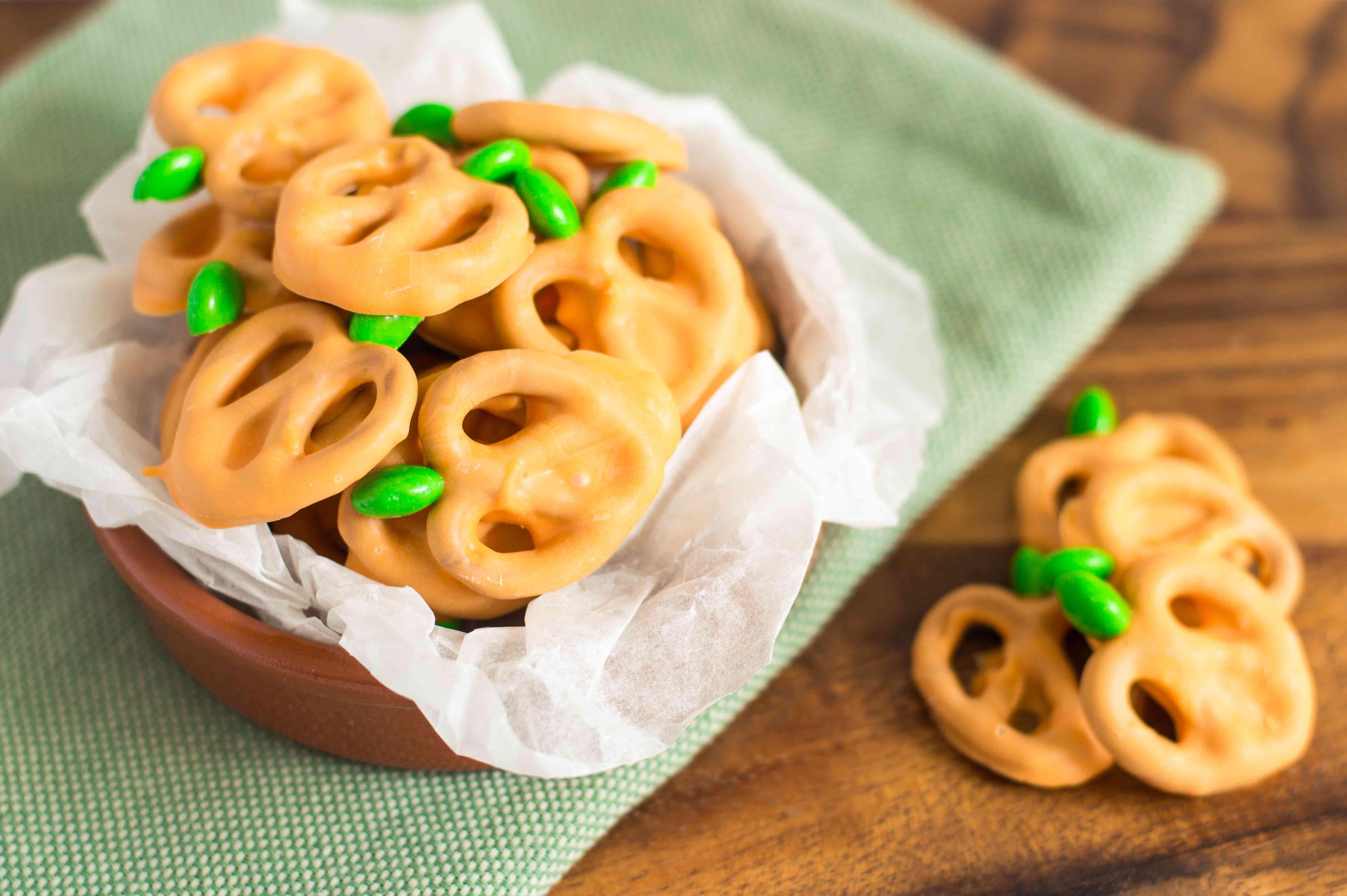 Pretzel Pumpkins Candy Recipe