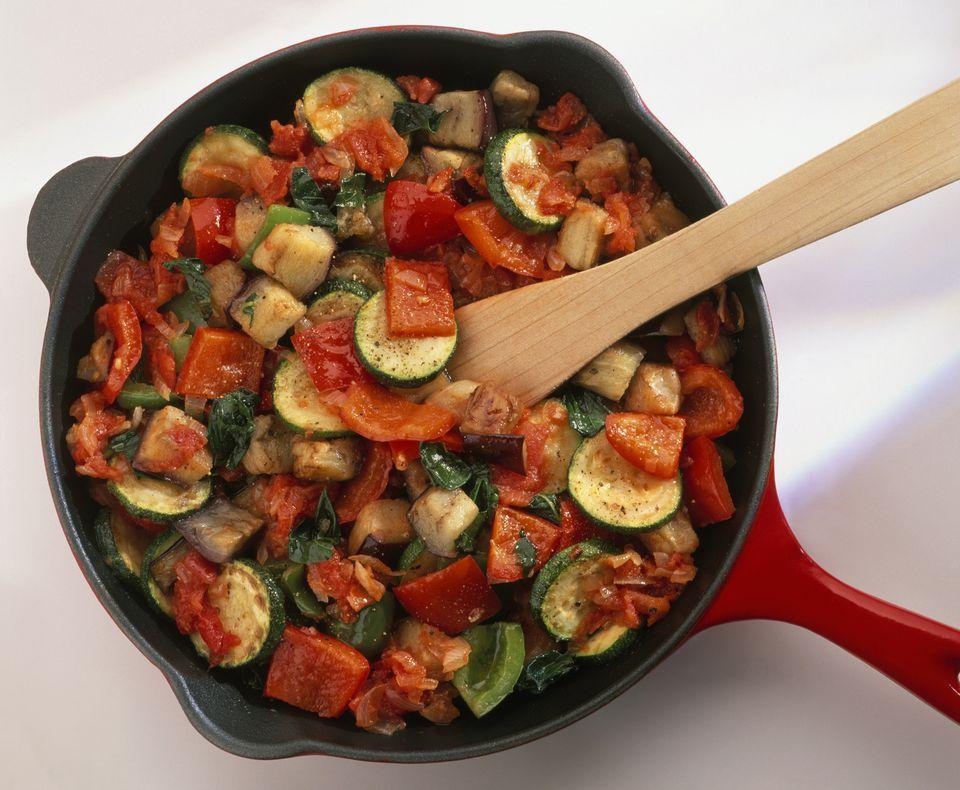 Easy vegan vegetarian ratatouille recipe easy vegan ratatouille recipe forumfinder Images