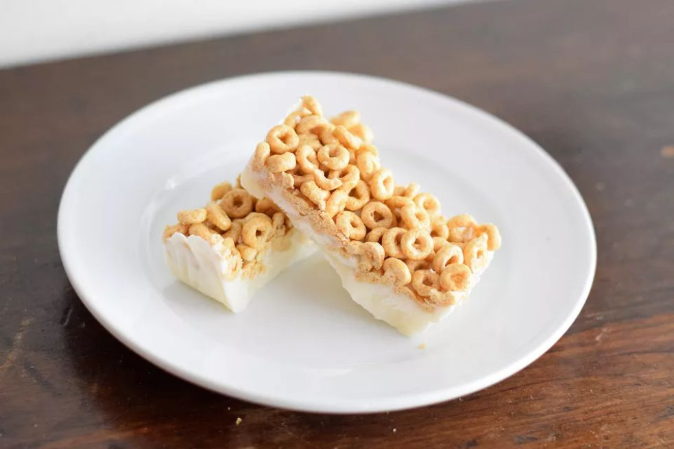 Healthy Milk and Cereal Breakfast Bars