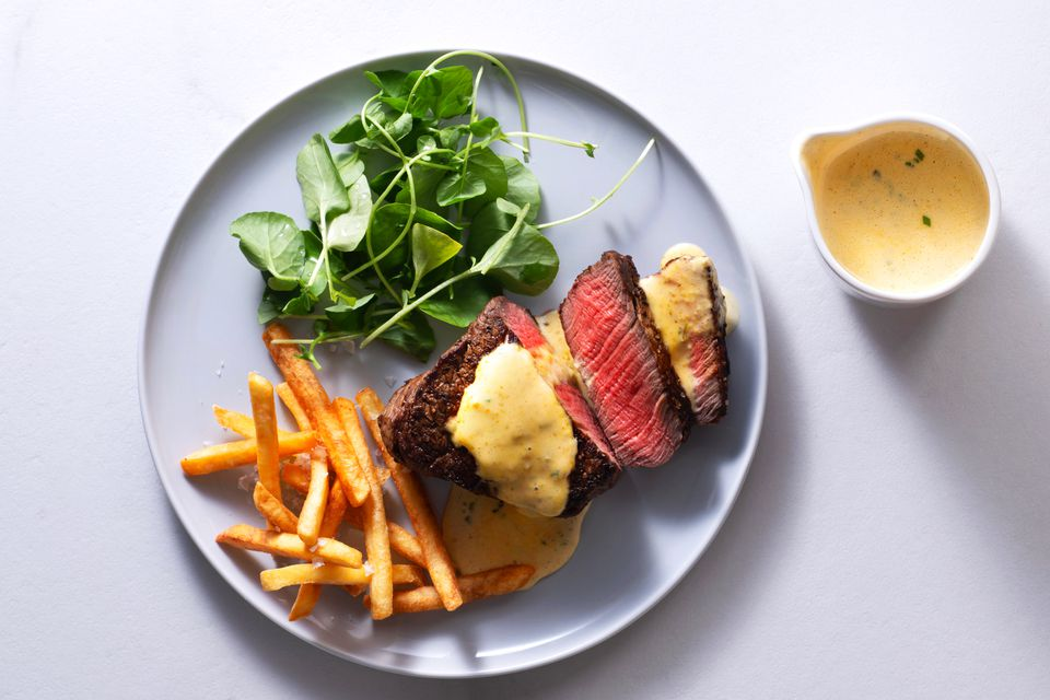 Grilled Filet Mignon with Bearnaise Sauce