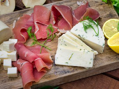foods high in saturated fat and how to limit them