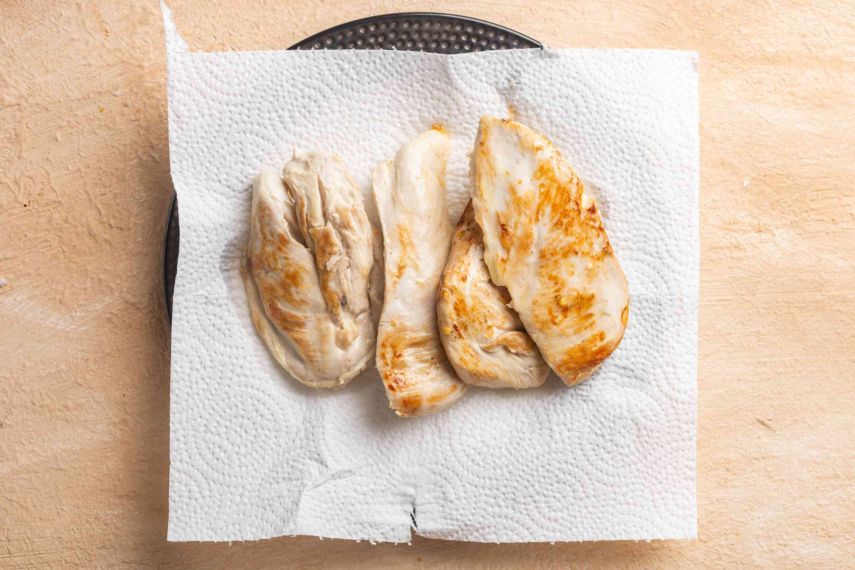 chicken on a paper towel lined plate