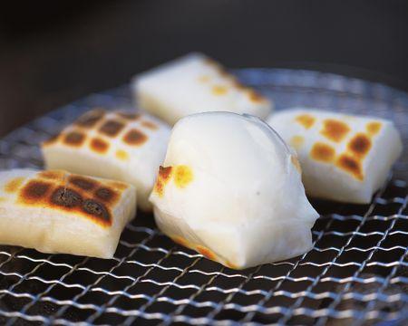 【金メダリストの朝ご飯にも!?】正月によく食べるお餅の栄養&効能