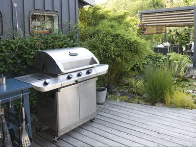 What To Look For When Choosing A Stainless Steel Grill - Abt weber grill