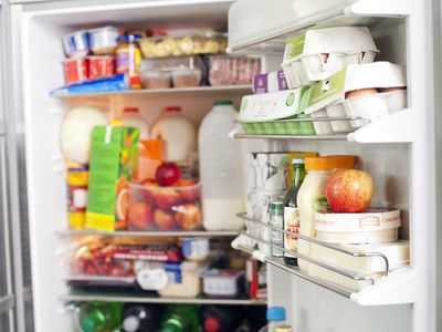 does refrigeration prevent bacterial growth in food