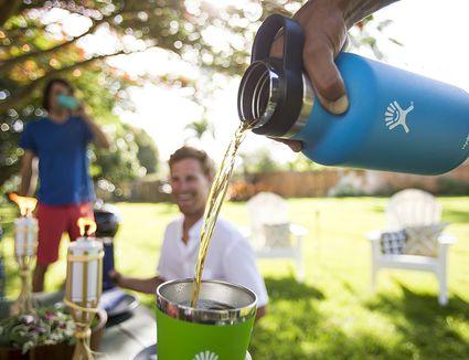hydro-flask-beer-growler