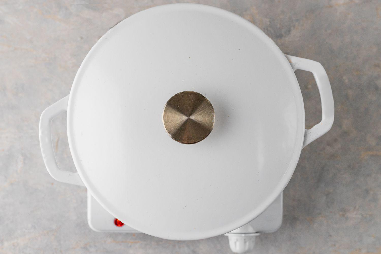 Arroz con Pollo in a covered pot