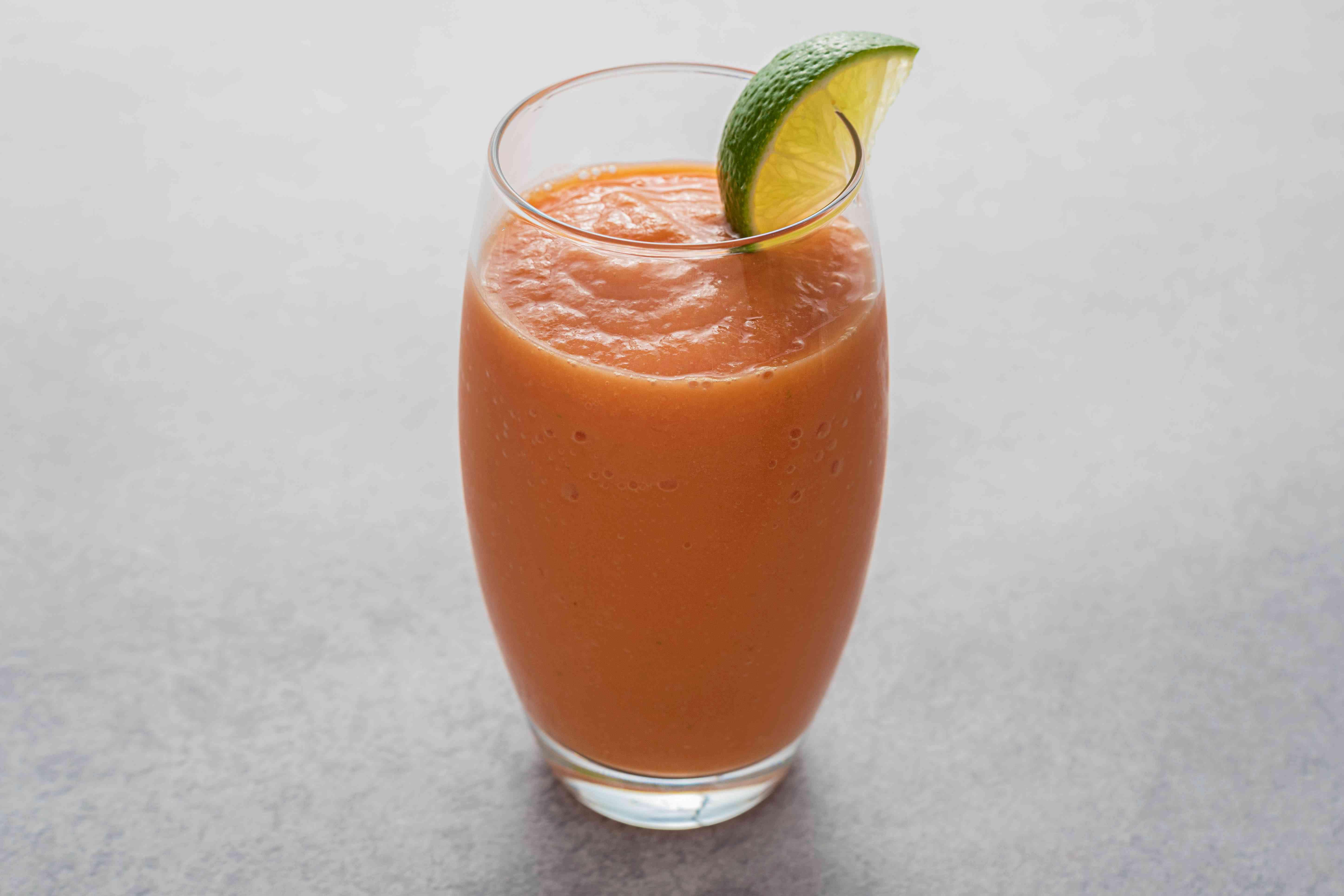 Papaya Smoothie (Batida de Lechosa) in a glass