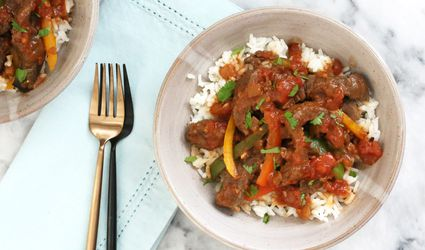 Slow cooker pepper steak and rice bowls.