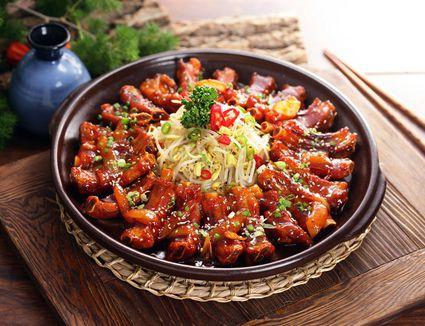 A plate of marinated Daeji Galbi