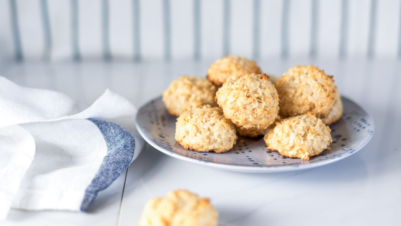 Easy 3 Ingredient Coconut Macaroons Recipe