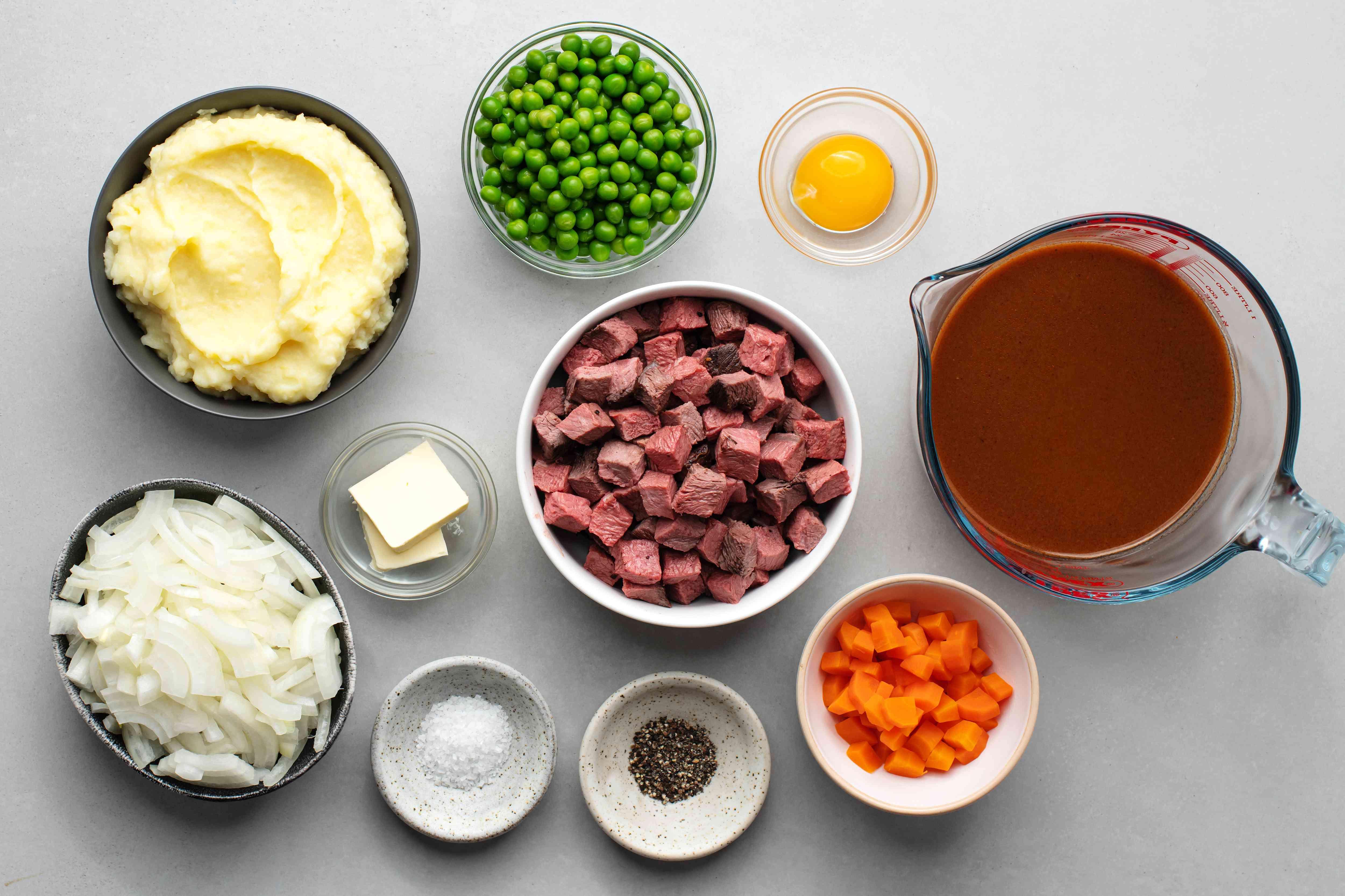Shepherd's pie recipe with beef or lamb ingredients