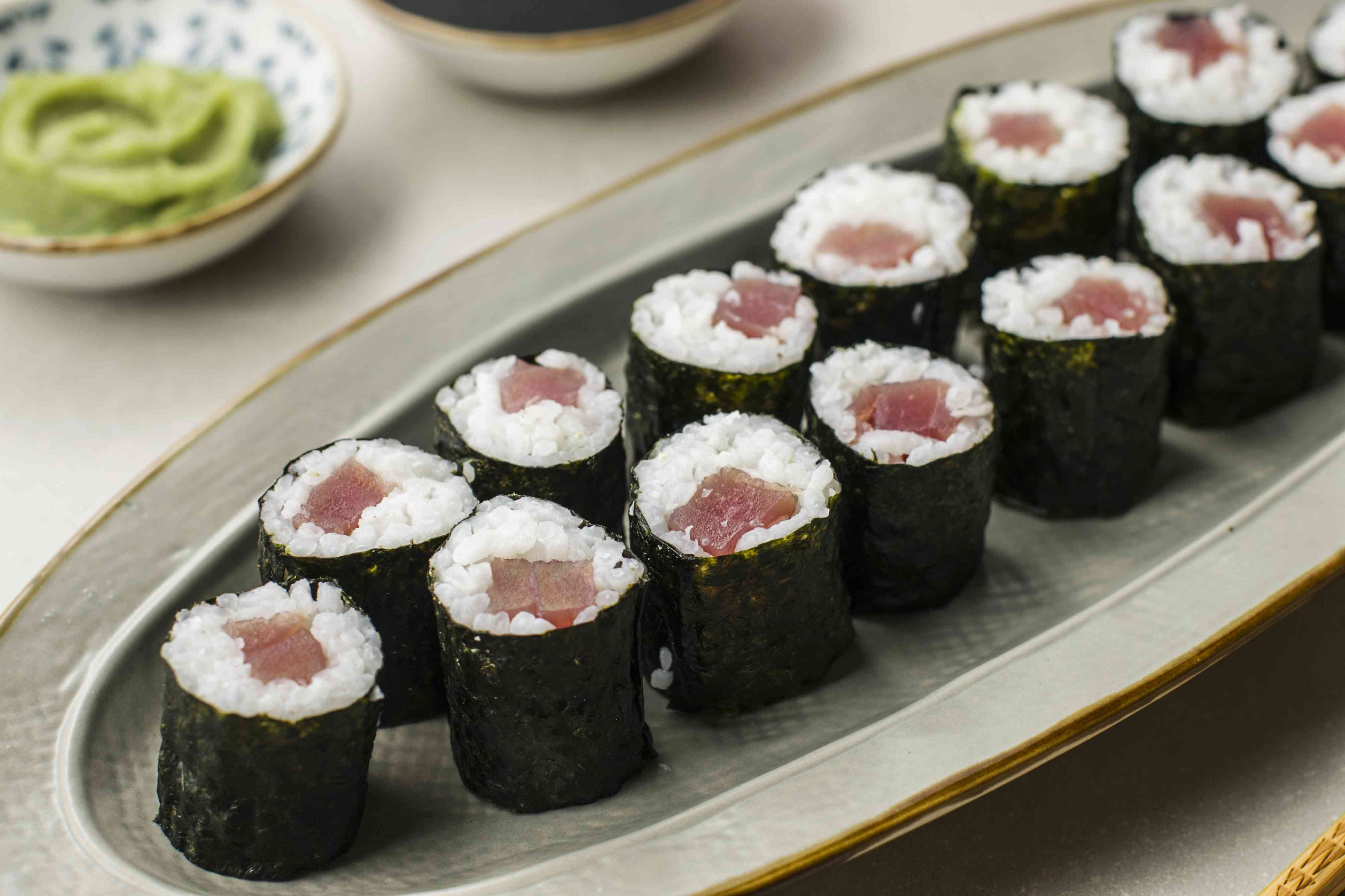 Tekkamaki sushi roll recipe