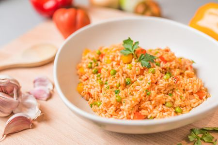 how to make basic mexican red rice or spanish rice