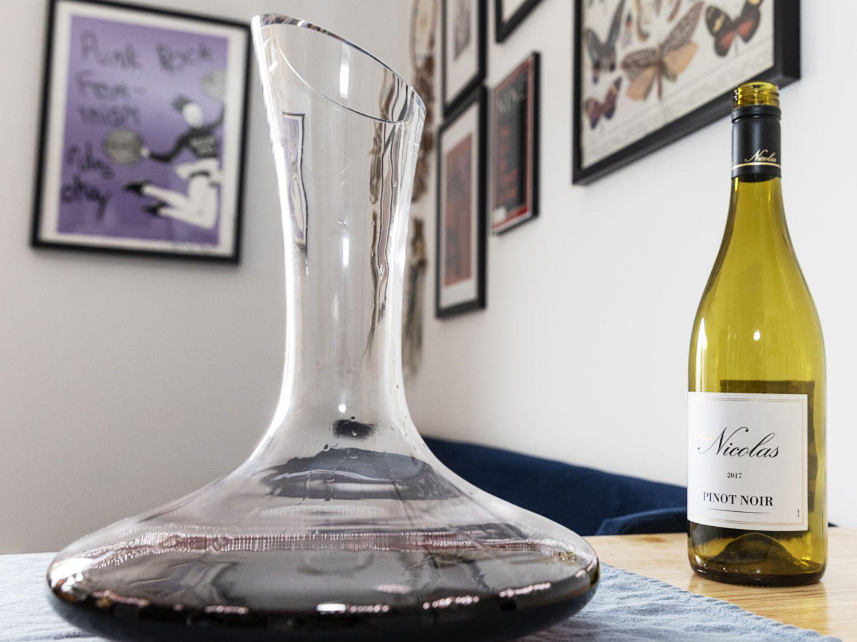 Le Chateau Wine Decanter Review A Bar Cart Staple