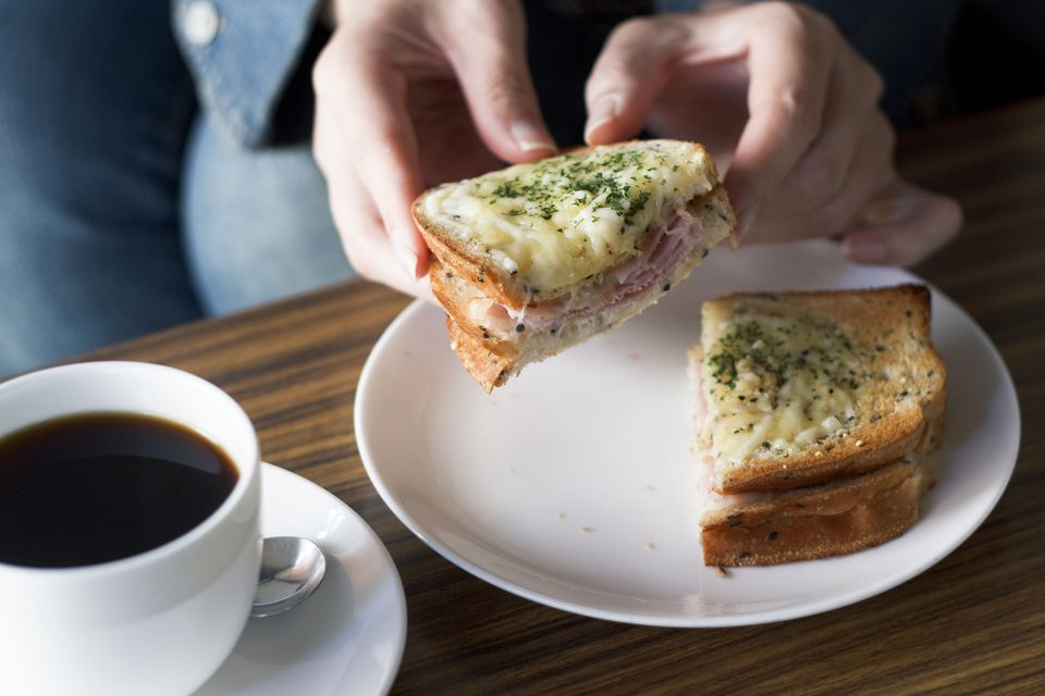 Croque Monsieur sliced, on plate