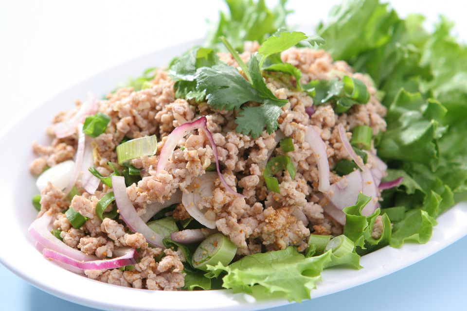 Spicy chicken salad (Larb Gai)
