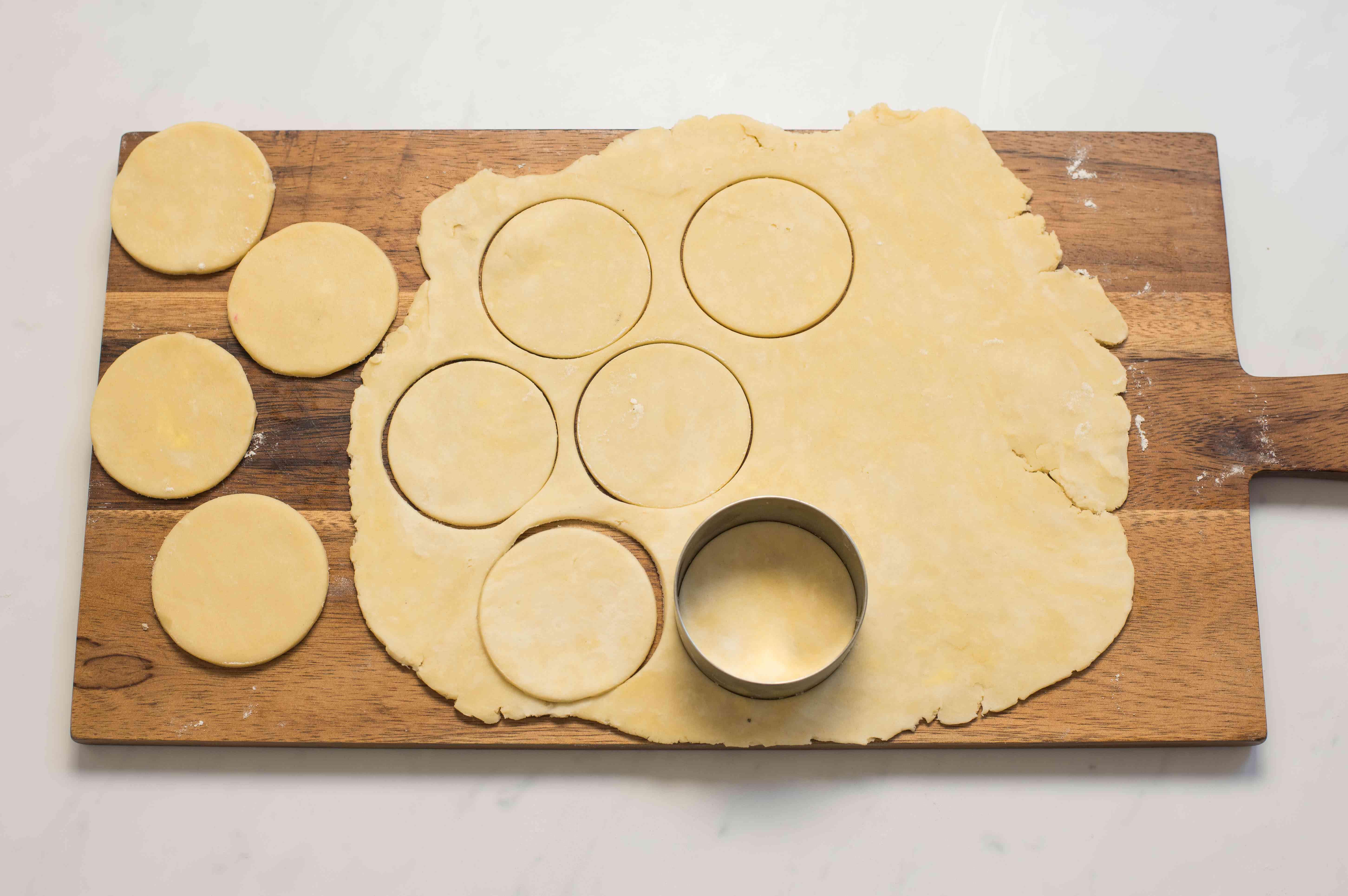 Circles in dough