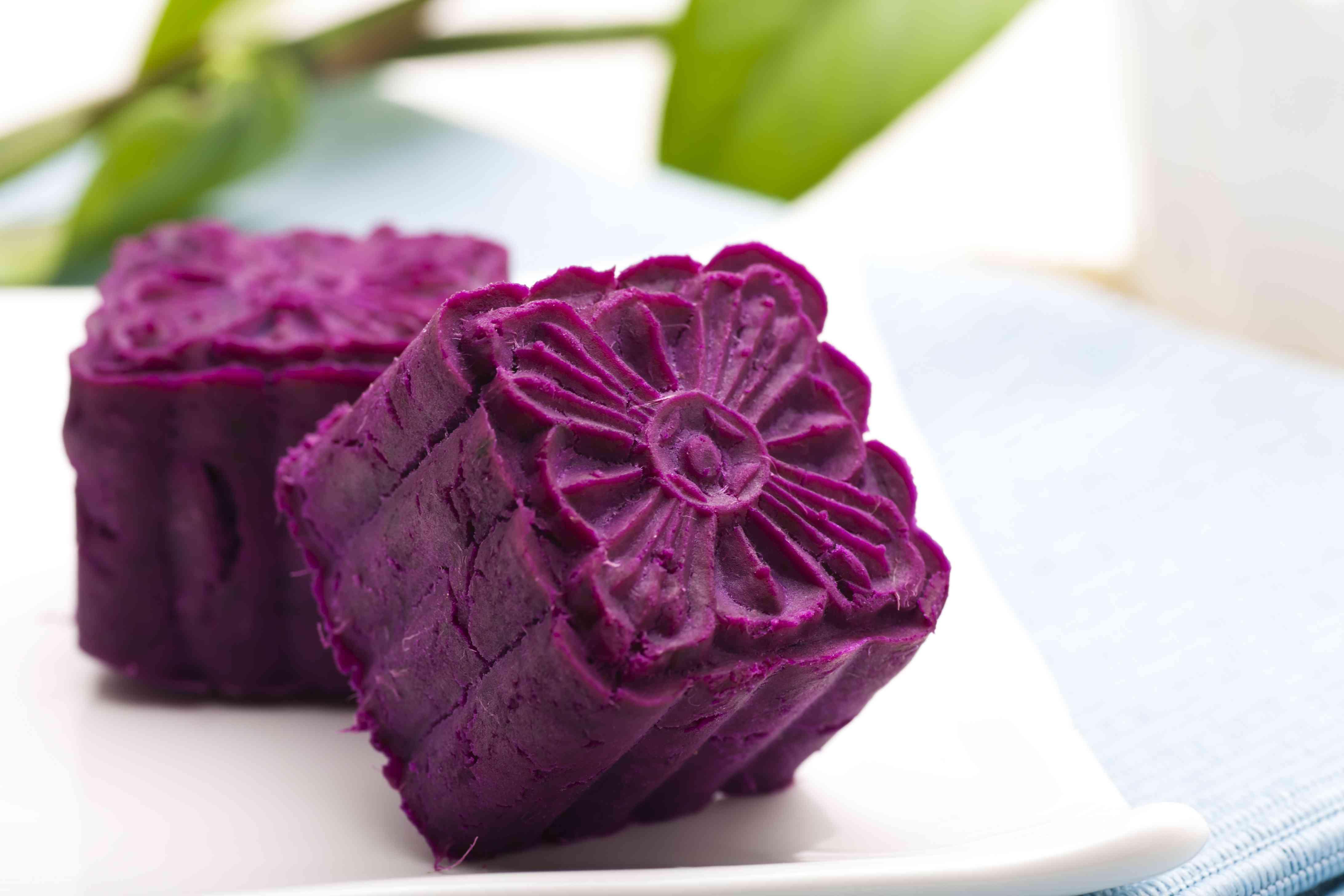 Cakes made of purple sweet potatoes