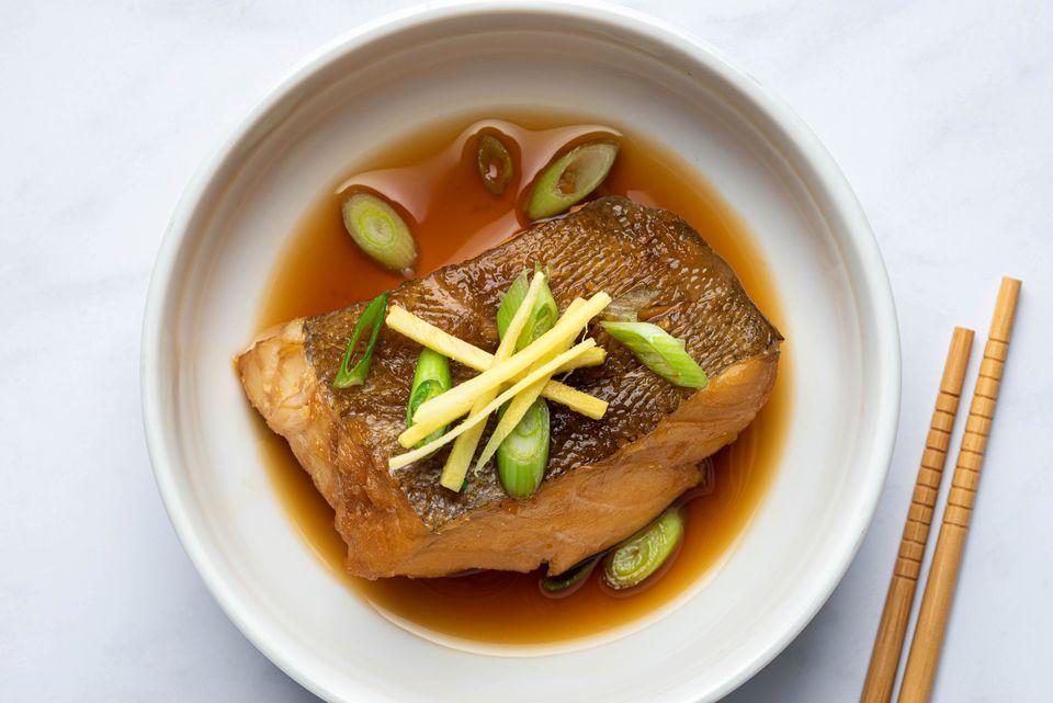 Japanese Simmered Fish (Sakana no Nitsuke)