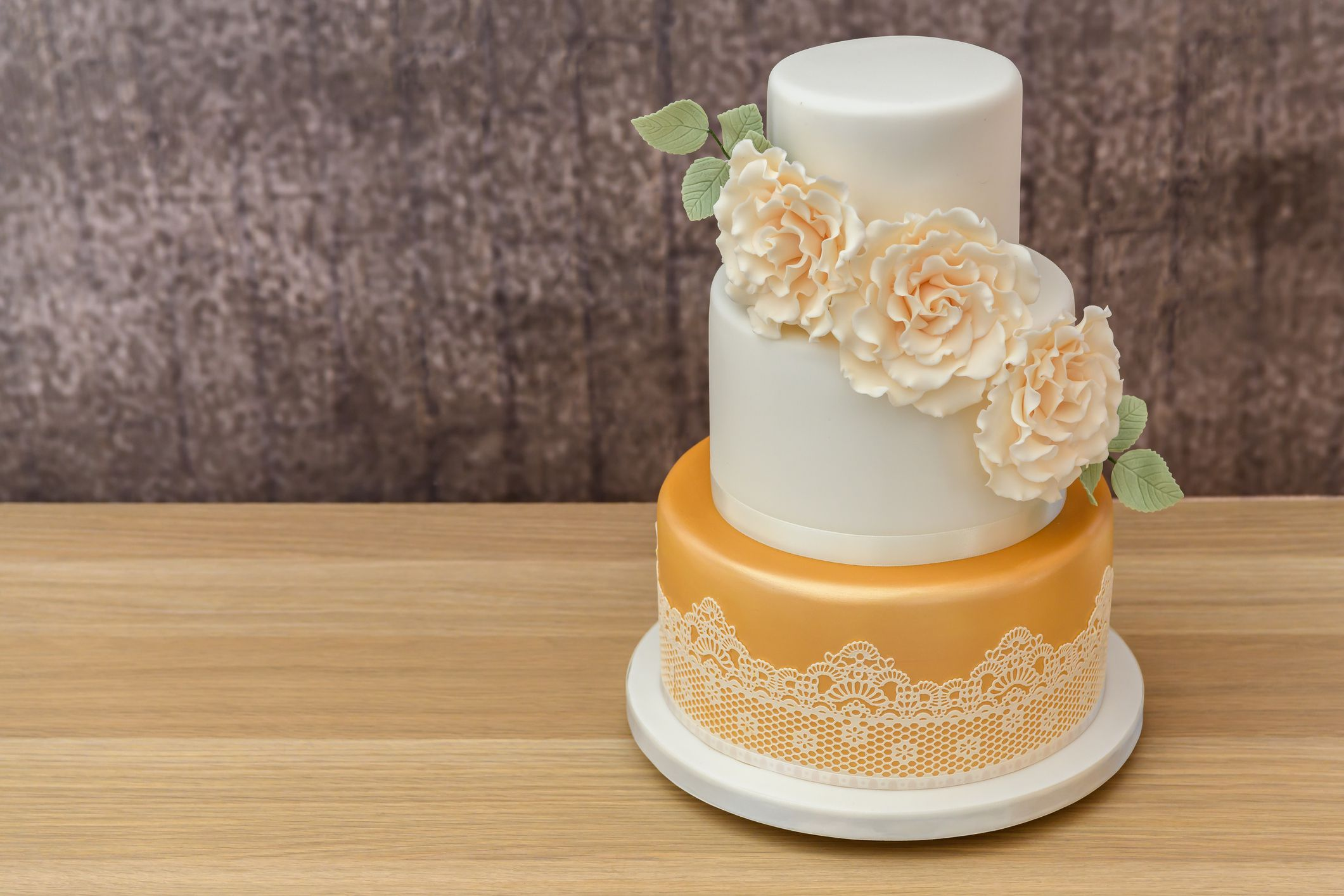 How To Bake And Decorate A 3 Tier Wedding Cake