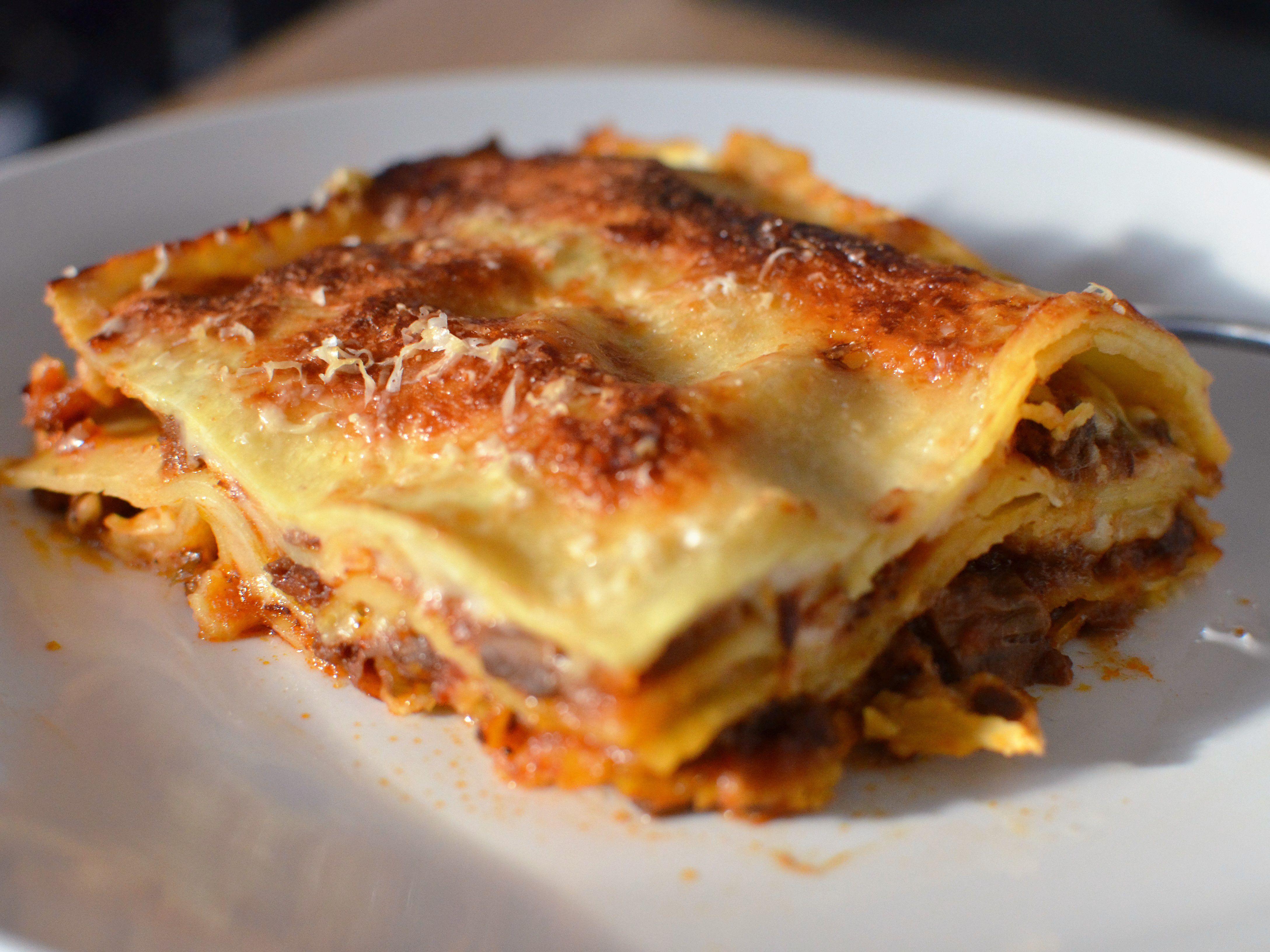 Ricetta Lasagne Toscane.Lasagne Alla Bolognese A Classic Hearty Meat Sauce Lasagna