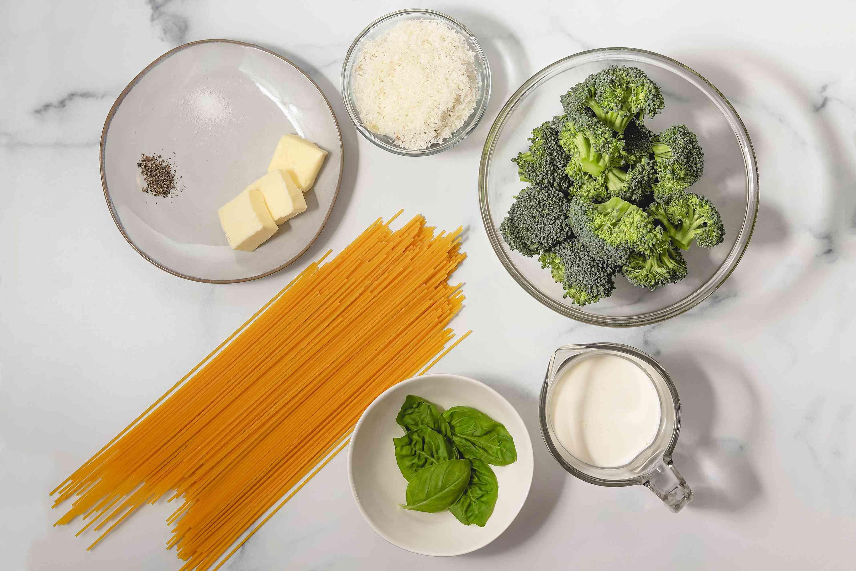Creamy broccoli pasta ingredients