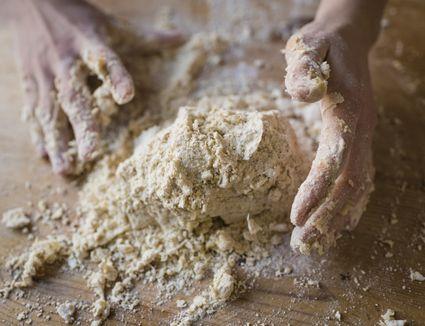 Spelt pie dough