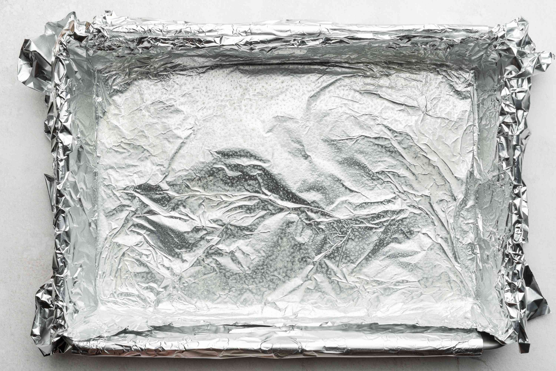 aluminum foil lined baking pan
