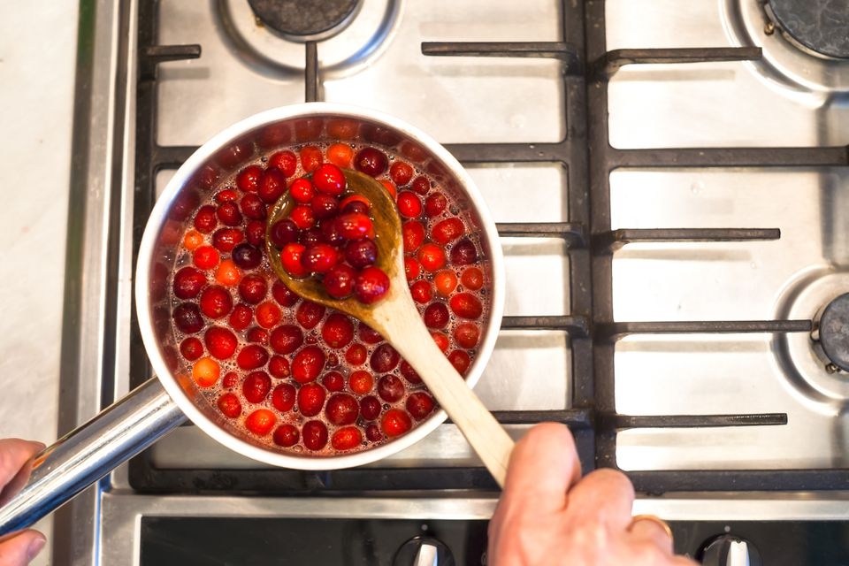 Making cranberry sauce on stovetop