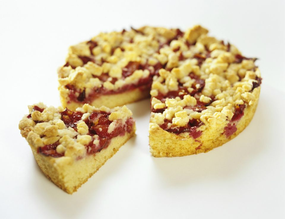 Sliced fruit streusel cake