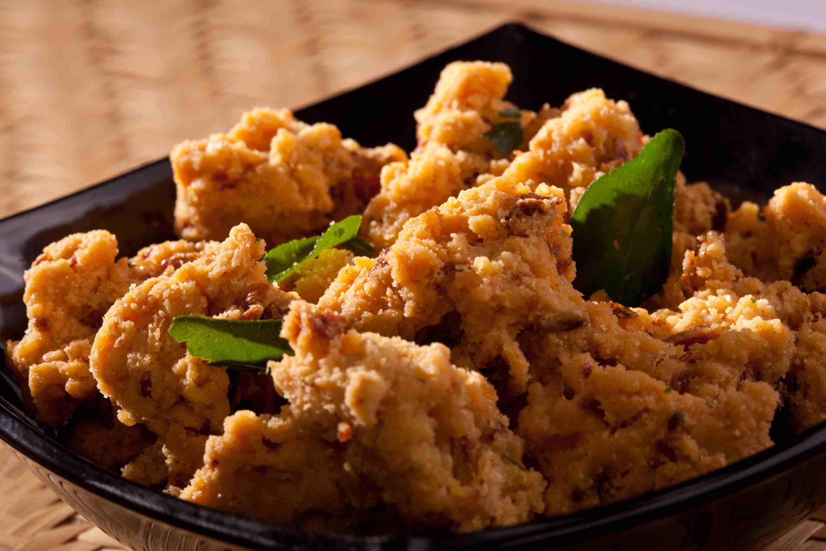 Chicken Pakoras (bhajias) in a serving dish