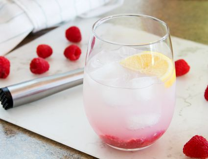 Raspberry Vodka Lemonade Cocktail