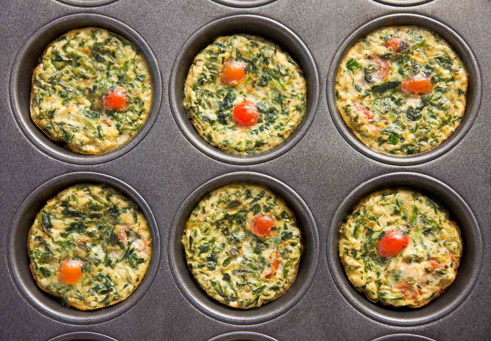 Spinach egg muffins with quinoa