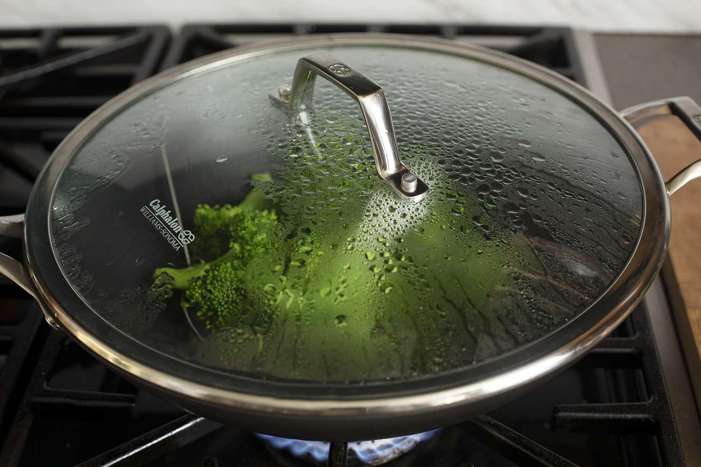 calphalon-elite-nonstick-wok-steaming