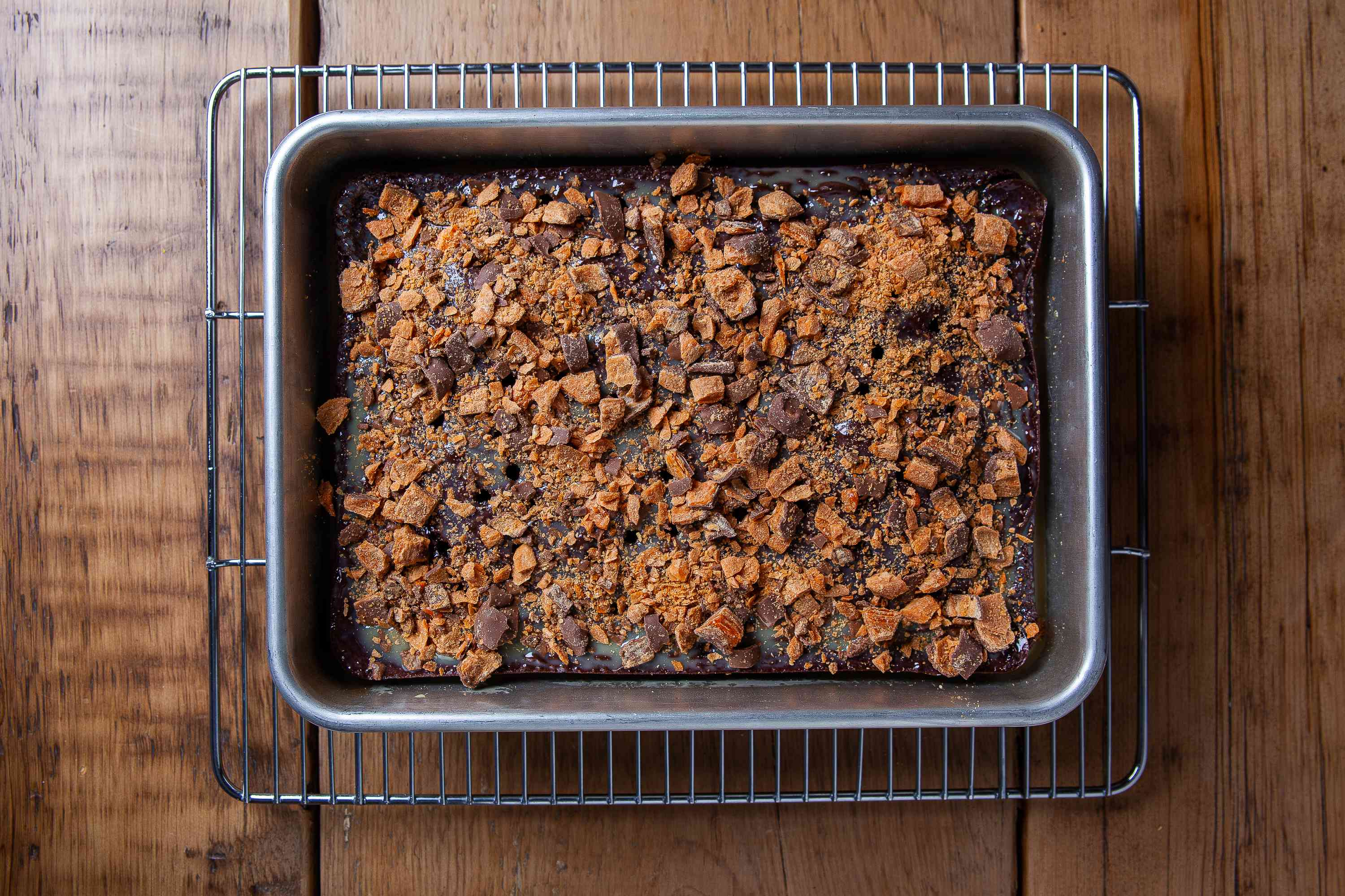 Layer the Butterfinger Cake