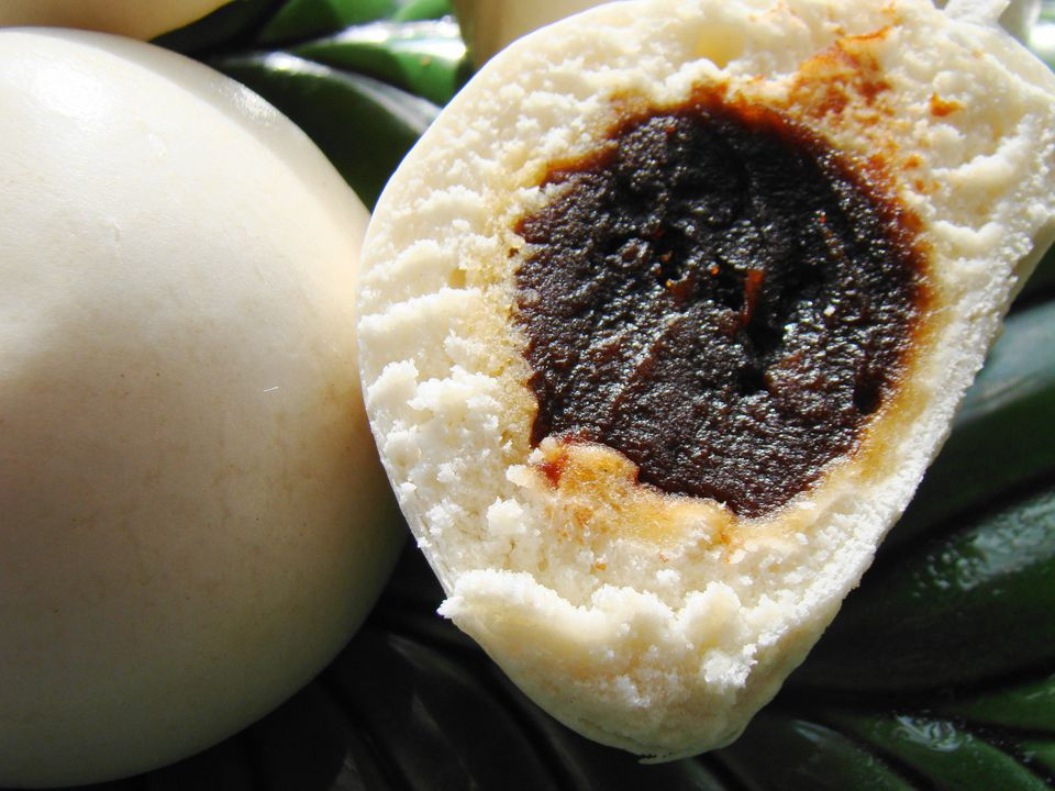 Bun with Red Bean Paste