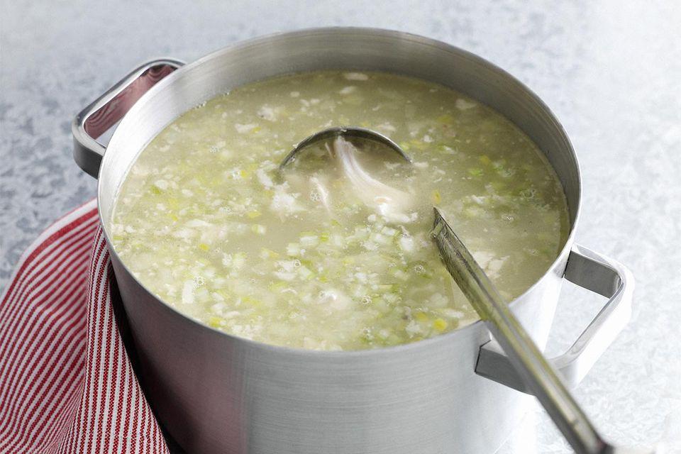 Pot of court bouillon