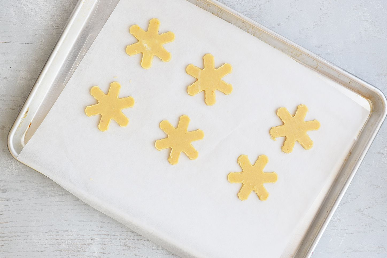 Bake keto sugar cookies