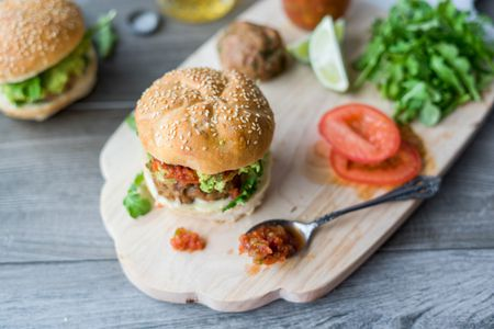 Juicy Baked Turkey Burgers With Garlic