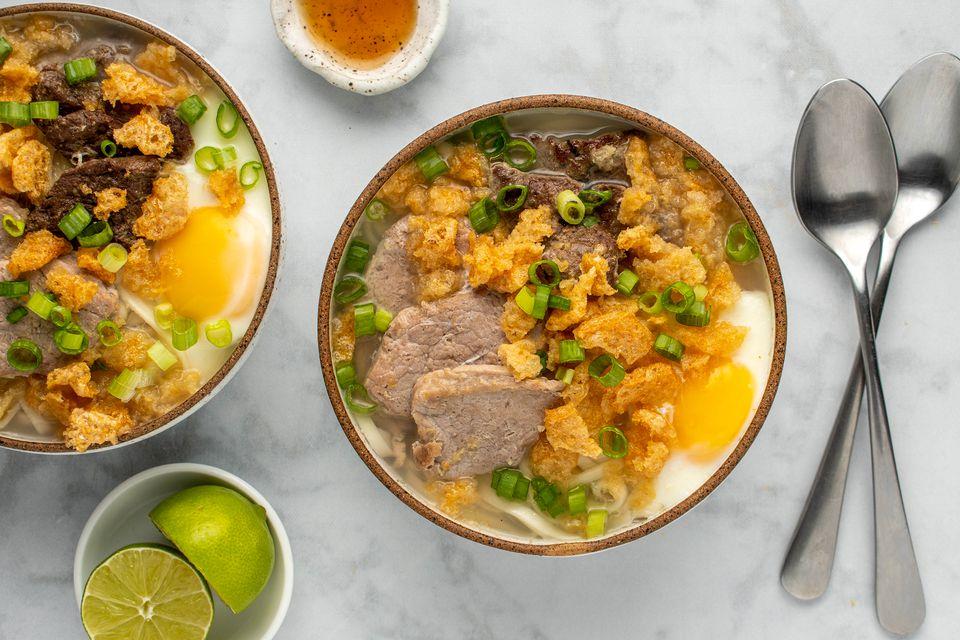 Central Philippines Pork Noodle Soup (La Paz Batchoy)