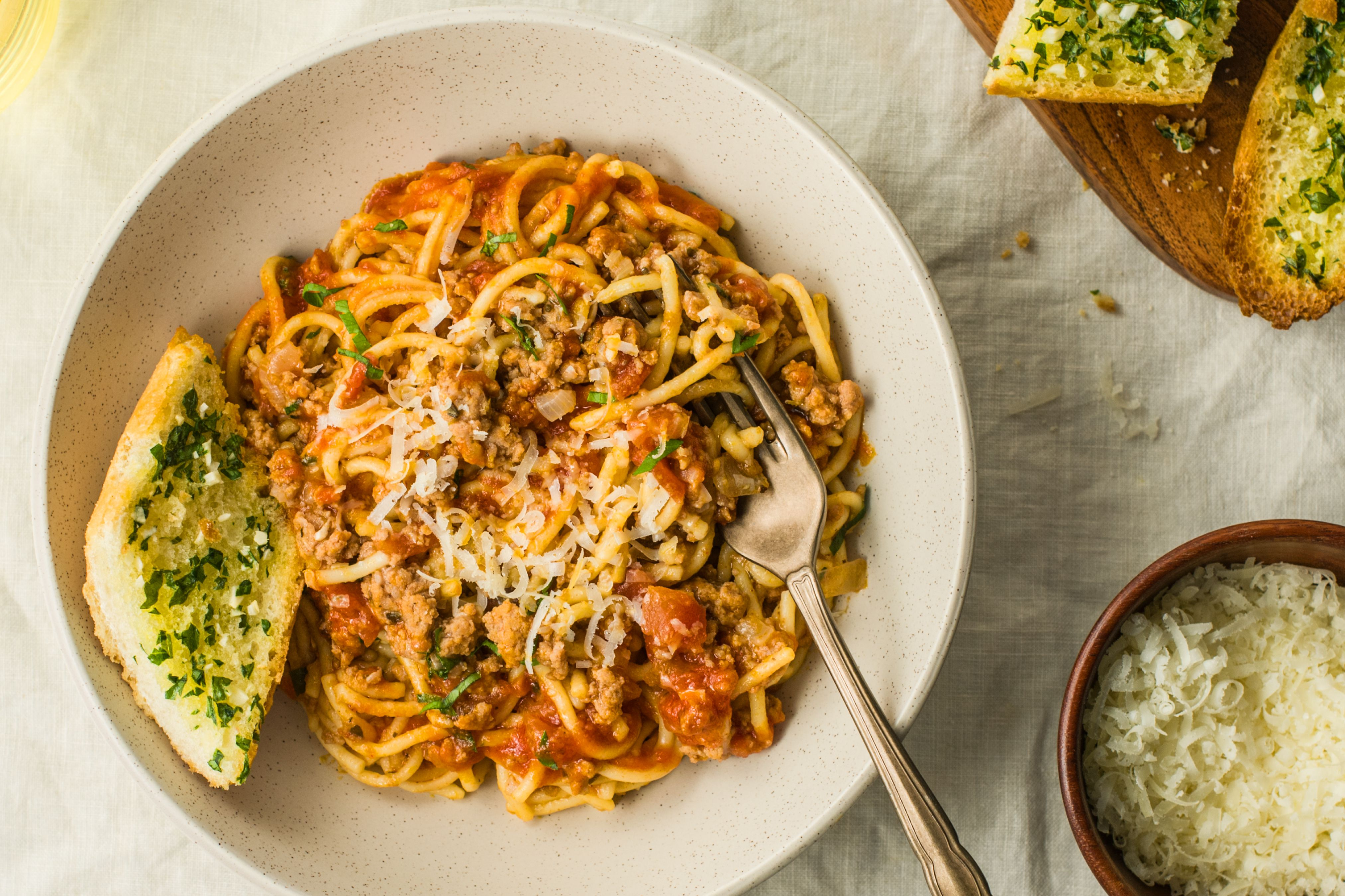 This Instant Pot Spaghetti Dinner Is Ready in Less Than 30 Minutes