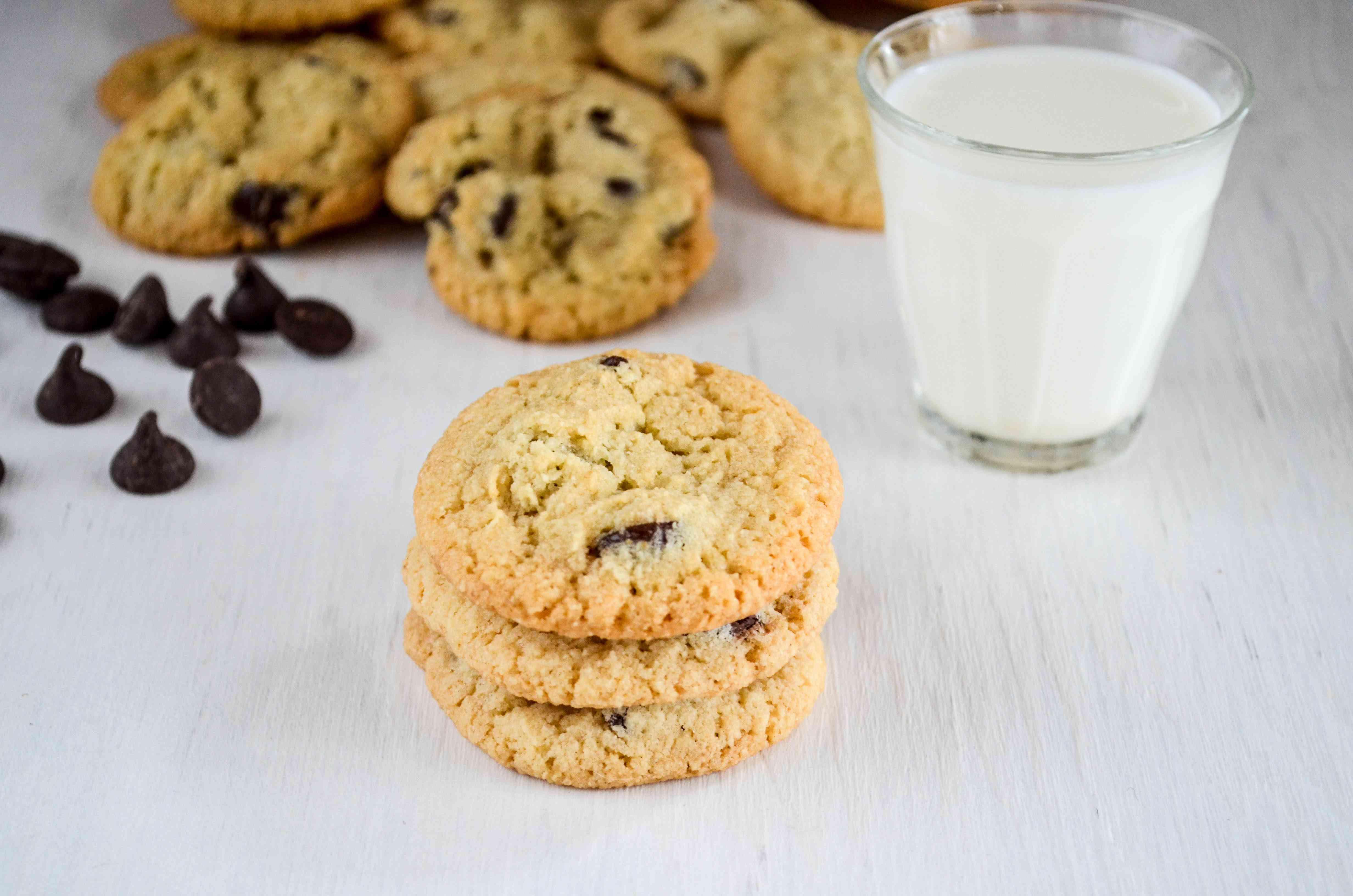 Grain-Free Almond Flour Chocolate Chip Cookies