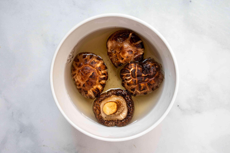 shiitake mushrooms in water