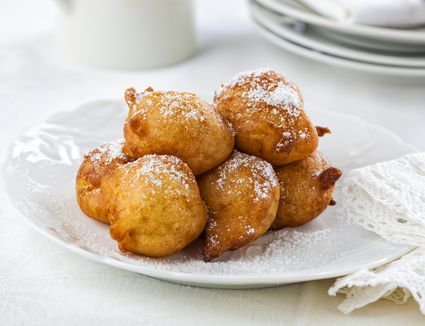 Spanish portuguese dessert recipes a spanish dessert recipe to make nuns sighs suspiros de monja forumfinder Choice Image