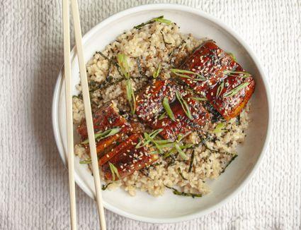 Eel sauce recipe - eel with eel sauce on top of rice