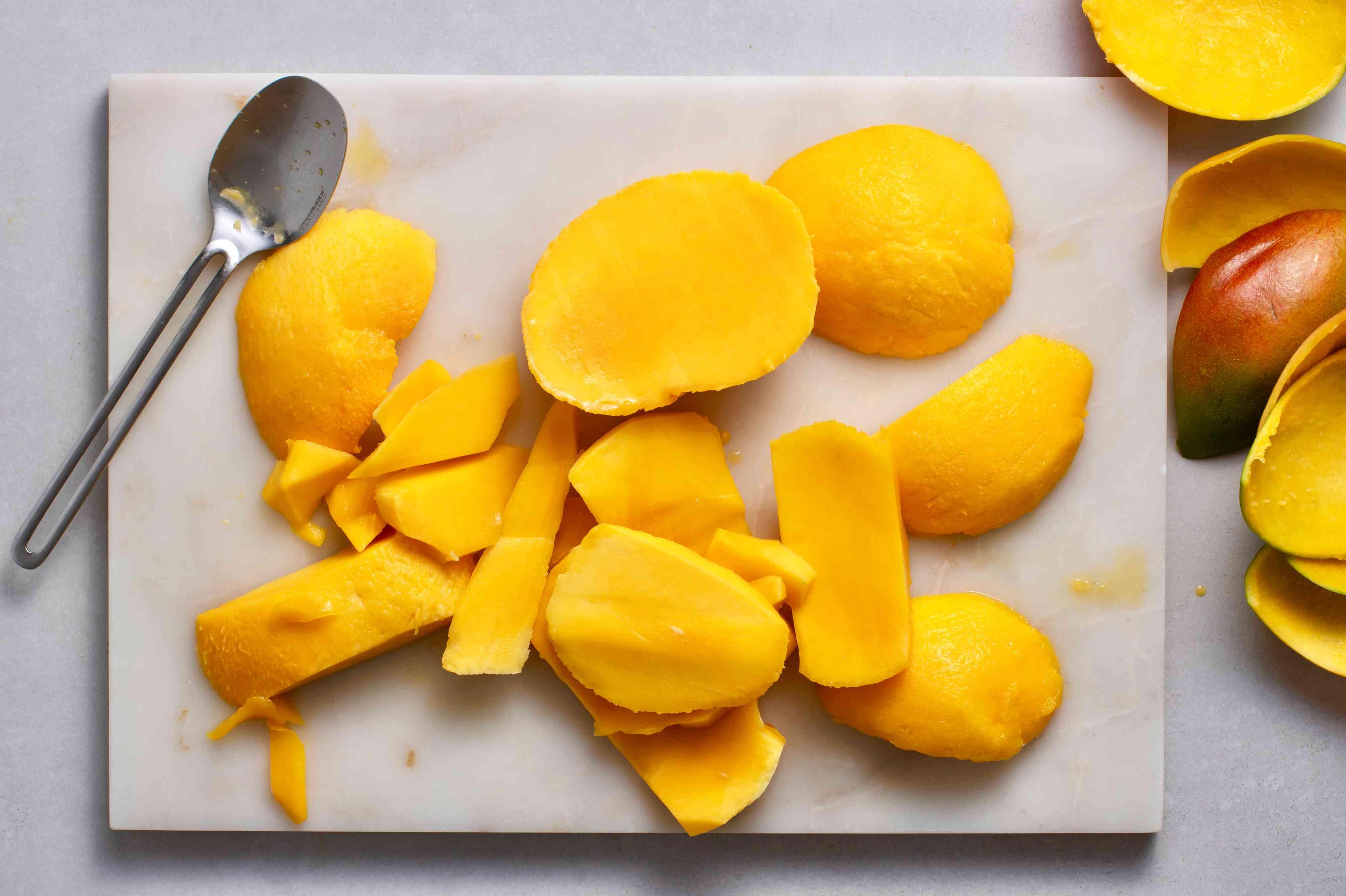 peel and slice the mangos