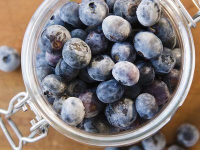 11 Great Ways to Preserve Berries