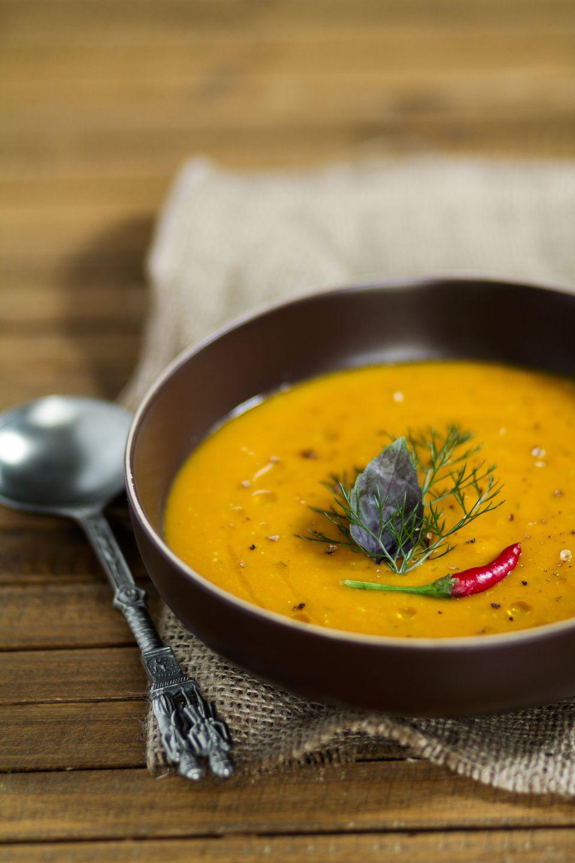 Thai carrot coconut soup