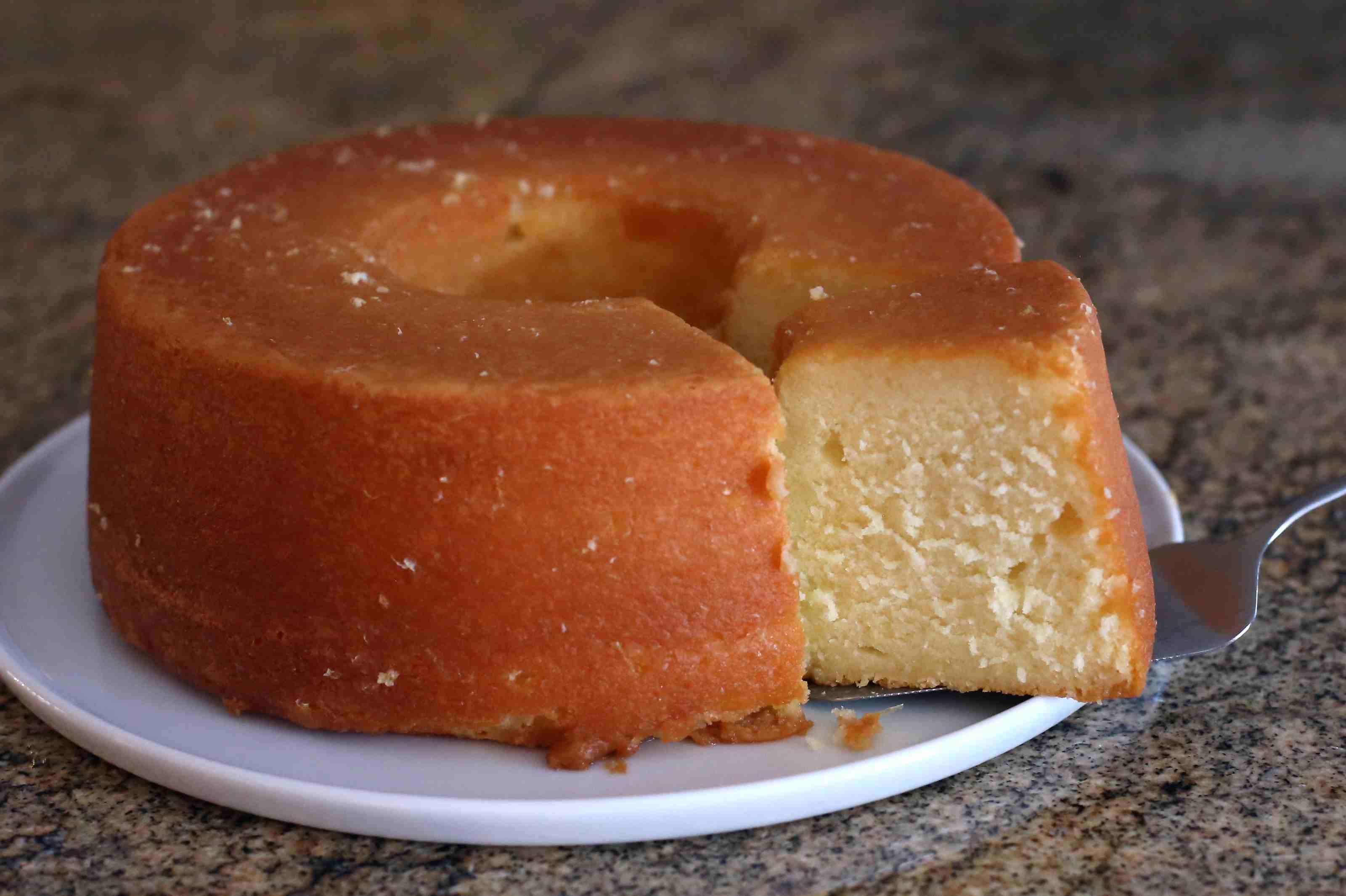 lemon pound cake slice